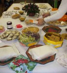 Arranging the food on the buffey table